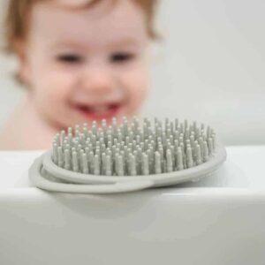 Haakaa Silicone Shampoo Brush